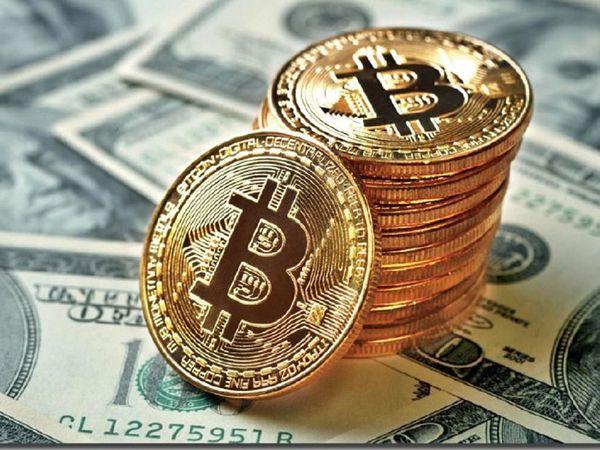 मार्च, 2020 में एक बिटकॉइन की कीमत 5 हजार डॉलर थी। शनिवार को यह 60 हजार डॉलर के पार चली गई। - Dainik Bhaskar