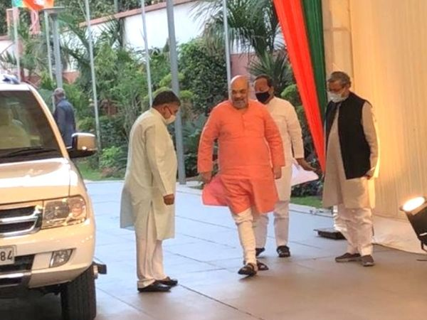 Before the meeting of the Central Election Committee, a meeting of the BJP Core Group took place at the residence of National President JP Nadda.  Home Minister Amit Shah was also present in the meeting.