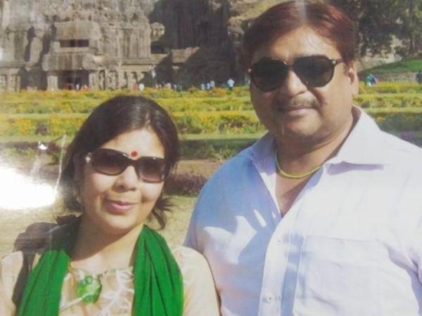 ईशान किशन की मां सुचित्रा सिंह और पिता प्रणव कुमार पांडेय।