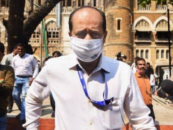 इस मामले में सचिन वझे को NIA ने कई घंटों की पूछताछ के बाद अरेस्ट किया था।