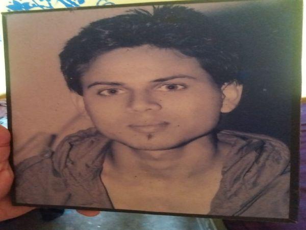यूपी की राजधानी लखनऊ के चिनहट इलाके में एक युवक का शव बरामद किया गया। पुलिस ने पूरे मामले की जांच शुरू कर दी है। फाइल फोटो मृतक - Dainik Bhaskar