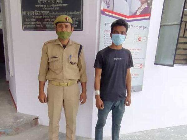 यह सूरज महतो की दो दिन पुरानी फोटो है। उसे पुलिस ने गिरफ्तार कर जेल भेजा था।- फाइल फोटो - Dainik Bhaskar