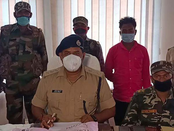 पुलिस ने अफीम तस्कर परमेश्वर गंझू को 3 किलो अफीम व 90 किलो डोडा के साथ गिरफ्तार किया - Dainik Bhaskar