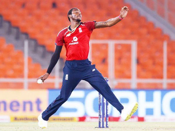 टी-20 सीरीज के 5 मैच में 7 विकेट लेकर दूसरे सबसे ज्यादा विकेट लेने वाले गेंदबाज रहे। - Dainik Bhaskar