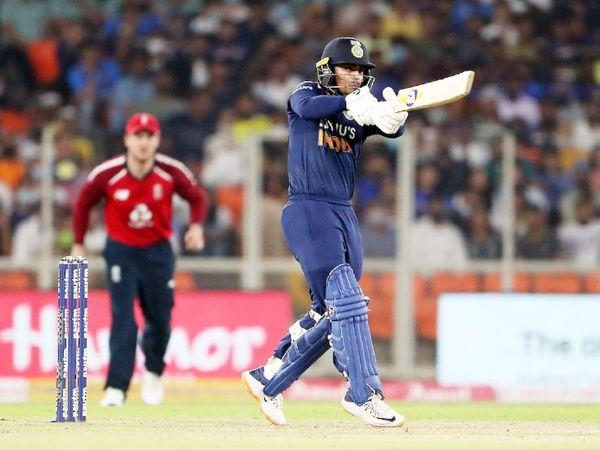 ईशान किशन को सीरीज के दूसरे मैच में डेब्यू का मौका मिला। इसमें उन्होंने ओपनिंग करते हुए 56 रन की पारी खेली और मैच जिताया। ईशान दूसरे मैच में खास नहीं कर सके।