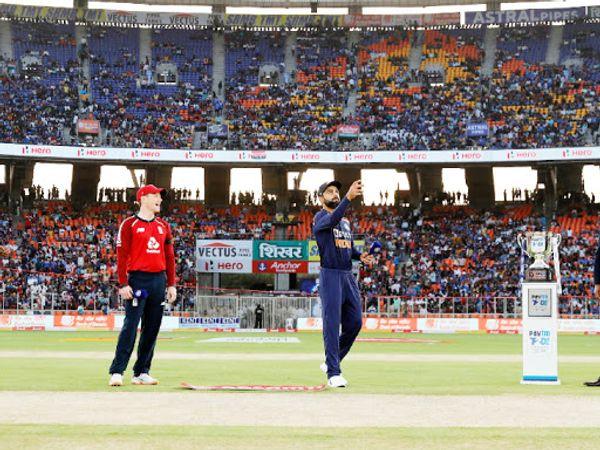 सभी मैच में टॉस जीतने वाली टीम ने पहले गेंदबाजी चुनी। इसमें शुरुआत के 3 मैच टॉस जीतने वाली टीम ने जीते, लेकिन आखिरी के दो मैच में टीम इंडिया ने यह मिथ तोड़ दिया।