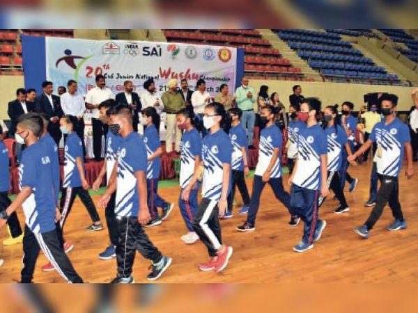 मणीपुर, मध्यप्रदेश व झारखंड के खिलाड़ियों ने उद््घाटन पर दी शानदार प्रस्तुति। - Dainik Bhaskar