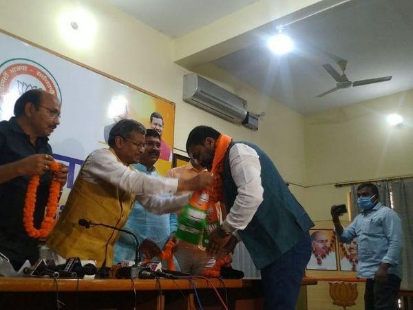 बाबू लाल मरांडी ने कहा- गंगा नारयण सिंह के पार्टी में शामिल होने से देवघर में पार्टी मजबूत होगी। - Dainik Bhaskar