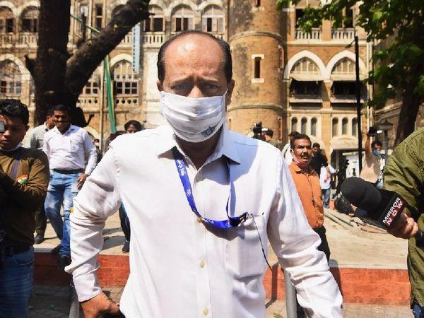 मुंबई पुलिस के पूर्व कमिश्नर परमबीर सिंह ने यह आरोप लगाया है कि महाराष्ट्र के गृह मंत्री अनिल देशमुख ने सचिन वझेको 100 करोड़ रुपए हर महीने वसूल कर उन्हें देनेको कहा था। - Dainik Bhaskar