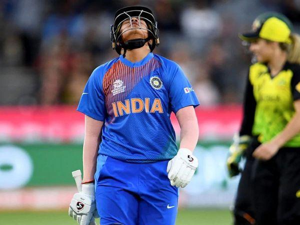 शेफाली वर्मा ने साउथ अफ्रीका के खिलाफ अंतिम टी-20 मैच में 30 गेंदों का सामना कर 60 रन बनाए। - Dainik Bhaskar