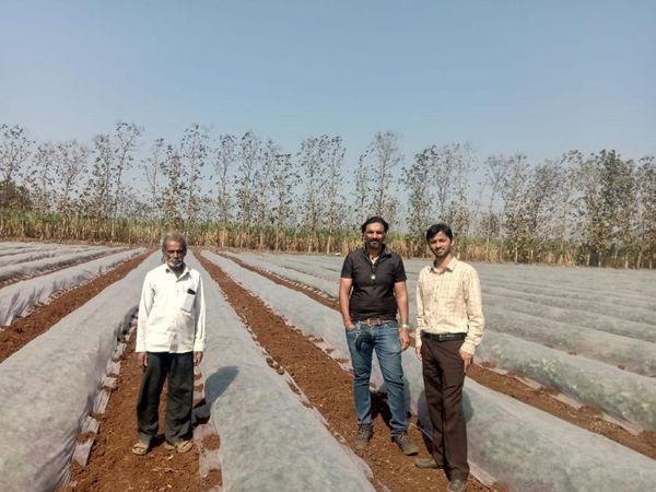 प्रवीण अपने इलाके के प्रगतिशील किसान माने जाते हैं। वे दूसरे किसानों को भी नए तरीके से खेती की ट्रेनिंग देते हैं।