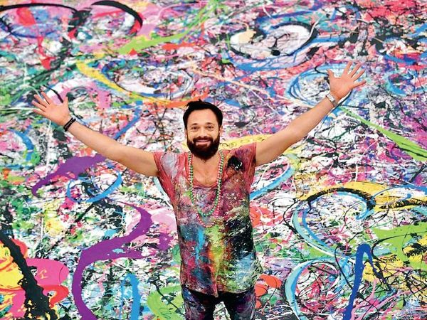 दुनिया की सबसे बड़ी पेंटिंग को ब्रिटिश कलाकार साचा जाफरी ने बनाया है।