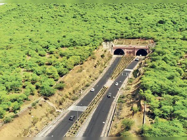 बूंदी टनल, कोटा। लंबाई 1.77 किमी और खर्च 120 करोड़।