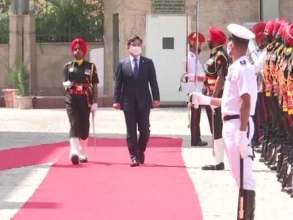 सुषमा स्वराज भवन में रक्षा मंत्री सुह वूक को गार्ड ऑफ ऑनर दिया गया। - Dainik Bhaskar