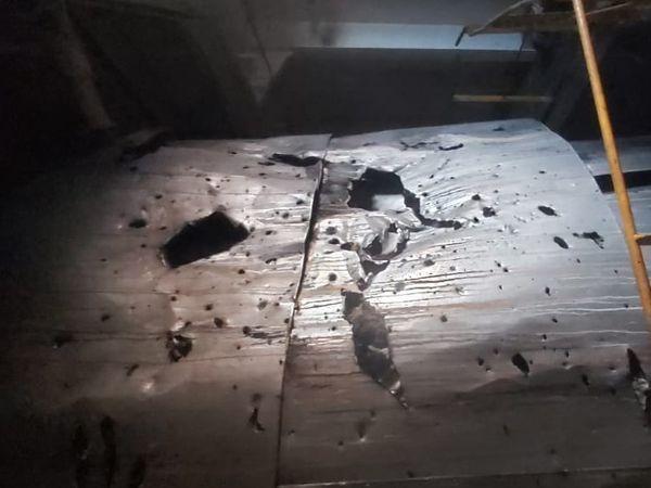 पिछले महीने ओमान की खाड़ी में भी इजराइली जहाज पर ऐसे ही हमला हुआ था।