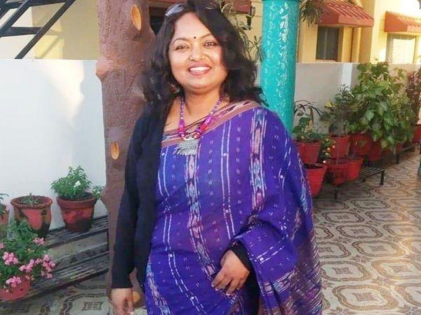देहरादून की रहने वाली मालती हलदार ने पिछले साल दिसंबर में एक फूड स्टार्टअप शुरू किया है। जहां वे खुद खाना तैयार कर ग्राहकों तक पहुंचाती हैं। - Dainik Bhaskar