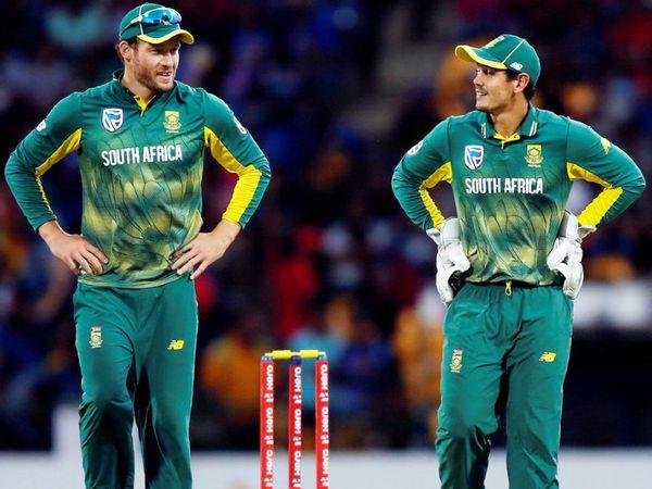 डेविड मिलर (बाएं) और क्विंटन डी कॉक पाकिस्तान के खिलाफ सीरीज के लिए साउथ अफ्रीकी टीम में शामिल हैं। (फाइल फोटो) - Dainik Bhaskar