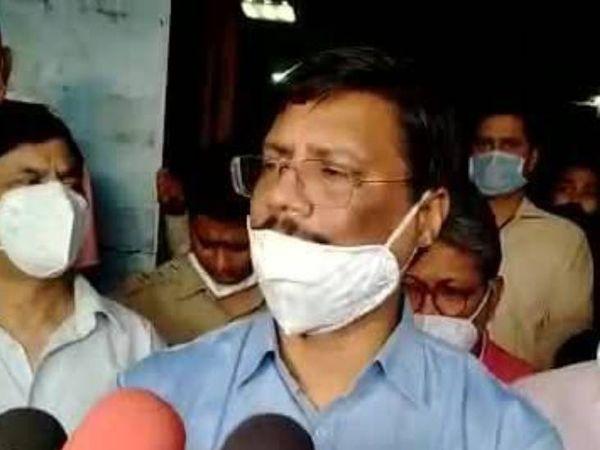 चिकित्सा एवं शिक्षा विभाग के प्रमुख सचिव आलोक कुमार। - Dainik Bhaskar