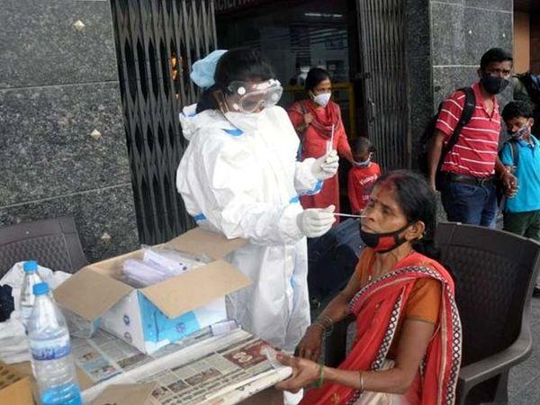 रांची में लगातार फैल रहे कोरोना संक्रमण के प्रसार को रोकने के लिए जिला प्रशासन एक बार फिर हाई अलर्ट मोड पर आ गया है। - Dainik Bhaskar
