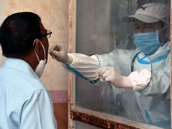 शनिवार को राज्य के विभिन्न जिलों में 340 संक्रमित मिले। इनमें से सर्वाधिक पीड़ित 187 सिर्फ रांची जिले के हैं। - Dainik Bhaskar