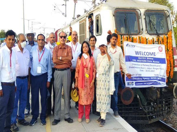 जयपुर से रींगस और जयपुर से खातीपुरा के बीच इलेक्ट्रिफिकेशन के बाद स्पीड ट्रायल किया गया। - Dainik Bhaskar