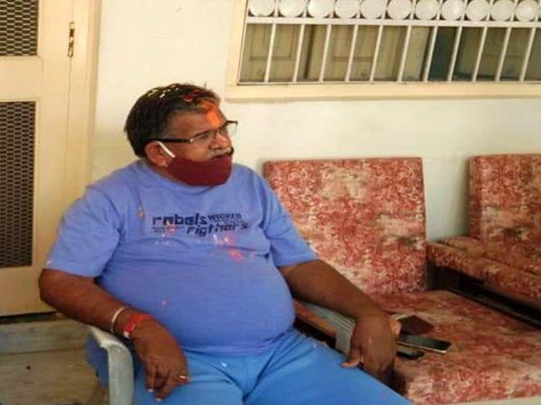 विधानसभा नेता प्रतिपक्ष गुलाबचंद कटारिया ने अपने घर उदयपुर में सादगी पूर्वक मनाया होली का पर्व। - Dainik Bhaskar