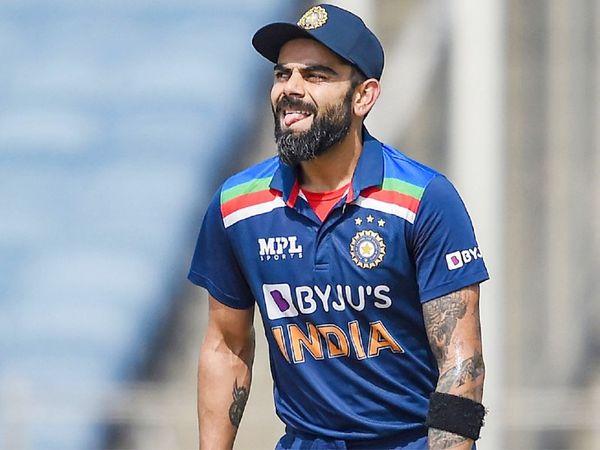 मोइन अली ने विराट कोहली को क्लीन बोल्ड किया। कोहली ने 10 बॉल पर 7 रन बनाए।