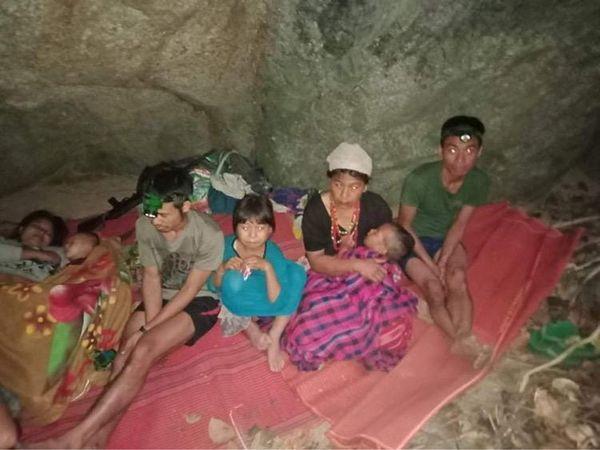 म्यांमार की सेना ने जिस गांव पर हमला किया, वह थाईलैंड की सीमा से सटा हुआ है।