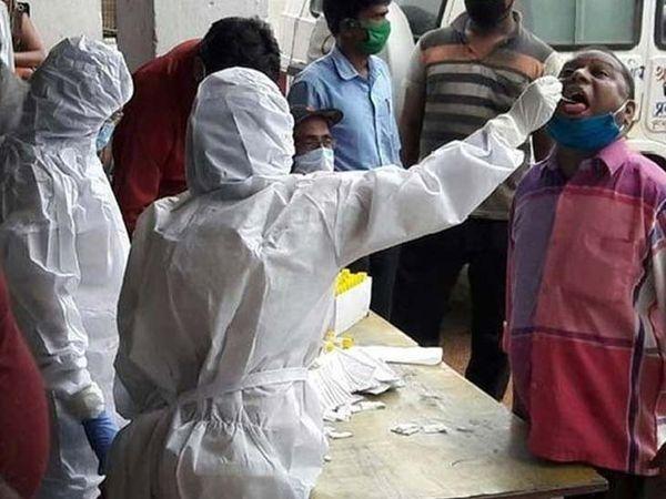 रांची में लगातार फैल रहे कोरोना संक्रमण के प्रसार को रोकने के लिए जिला प्रशासन एक बार फिर हाई अलर्ट मोड पर आ गया है। (फाइल) - Dainik Bhaskar
