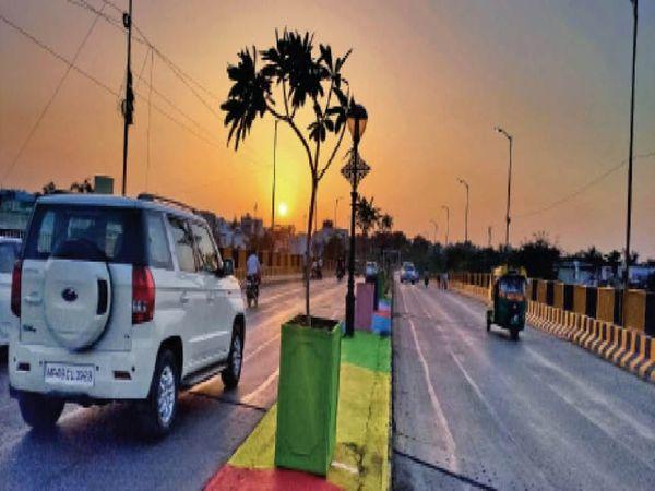 केसरबाग ब्रिज, शाम 6.30 बजे की तस्वीर - Dainik Bhaskar