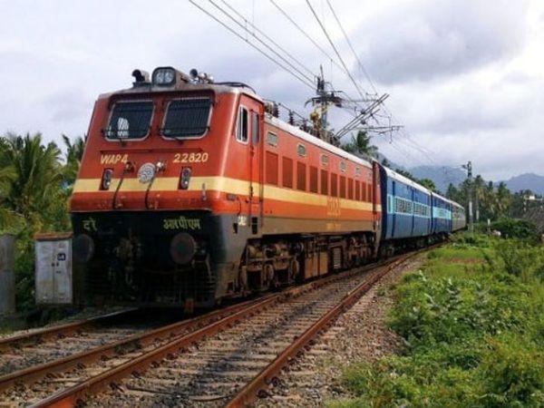 ट्रेनों को 130 किमी प्रति घंटे की रफ्तार से चलाने का ट्रायल अंतिम दौर में है। - Dainik Bhaskar
