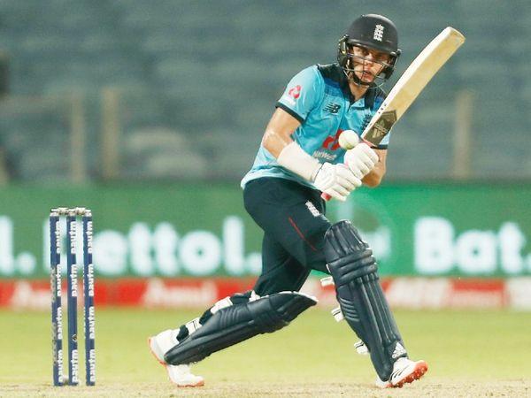 इंग्लिश ऑलराउंडर सैम करन ने 83 बॉल पर 95 रन की नाबाद पारी खेली।