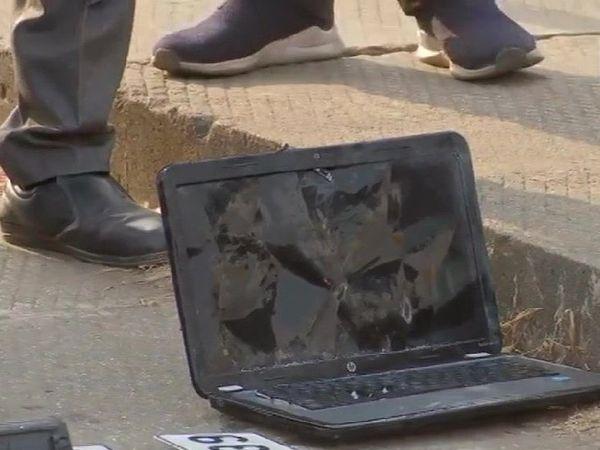 रविवार को क्षतिग्रस्त हाल में यह लैपटॉप मीठी नदी से बरामद हुआ था।