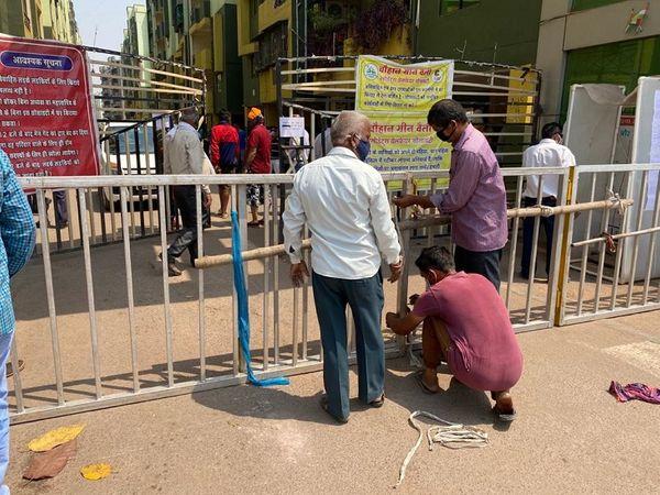 दुर्ग जिले में कंटेनमेंट जोन तेजी से बढ़ रहे हैं। मंगलवार को 5 नए कंटेनमेंट प्रशासन ने घोषित किए हैं, - Dainik Bhaskar