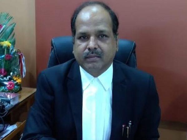 रायपुर में जिला जज रहे राम कुमार तिवारी को मंत्रालय में विधि विभाग की जिम्मेदारी संभालनी है। - Dainik Bhaskar