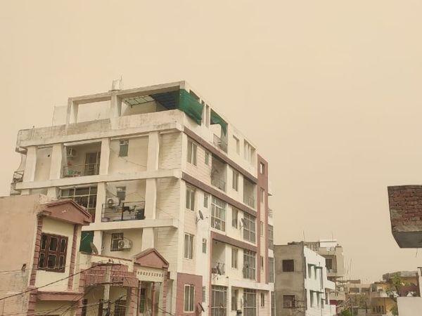 जयपुर में दोपहर से जारी अंधड़ से जनजीवन प्रभावित हुआ है - Dainik Bhaskar