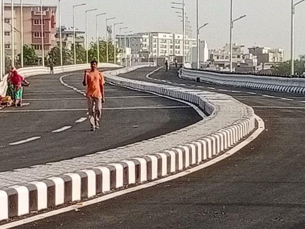 फ्लाईओवर से केशवपुरा चौराहा, जवाहर नगर तिराहा, ब्लड बैंक तिराहा में यातायात जाम से मुक्ति मिलेगी।
