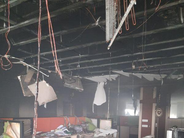 आईएसबीटी में छठी मंजिल पर लगी आग - Dainik Bhaskar