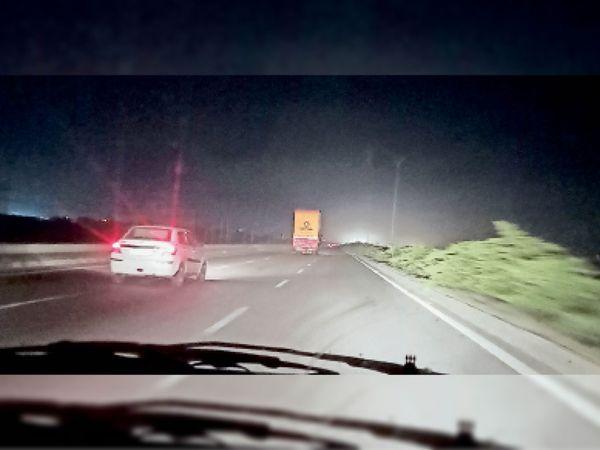 कुंडली- मानेसर- पलवल पर छाया अंधेरा, रात के समय निकलते वाहन। - Dainik Bhaskar