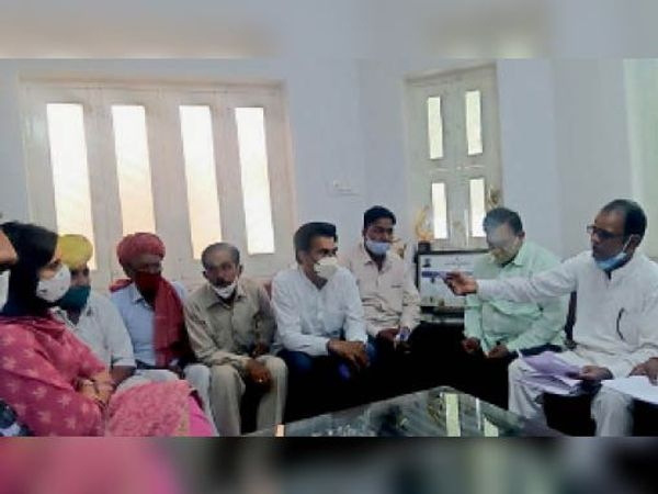ब्राह्मण समाज ने बाल संरक्षण आयोग की अध्यक्ष बेनीवाल को सौंपा ज्ञापन। - Dainik Bhaskar