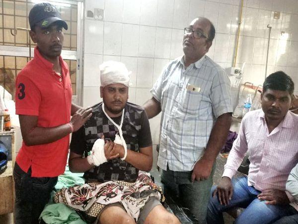 मायांगज अस्पताल में घायल राहुल।