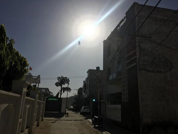 पानीपत में सुबह के समय खिली तेज धूप। - Dainik Bhaskar