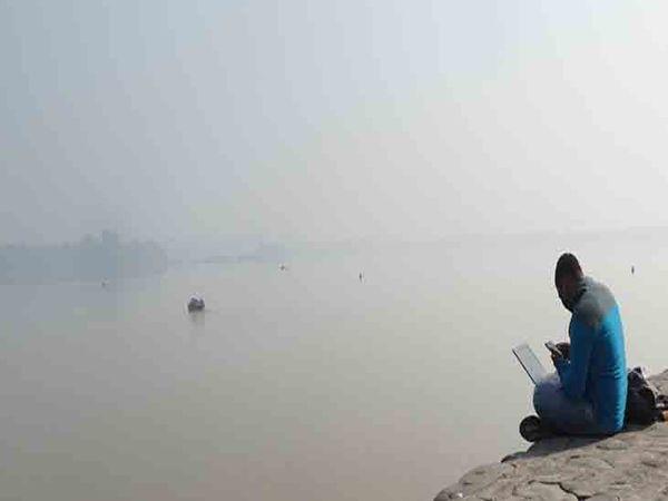 शहर में सुबह के समय अभी भी ठंडी हवा चल रही है। फाइल फोटो - Dainik Bhaskar