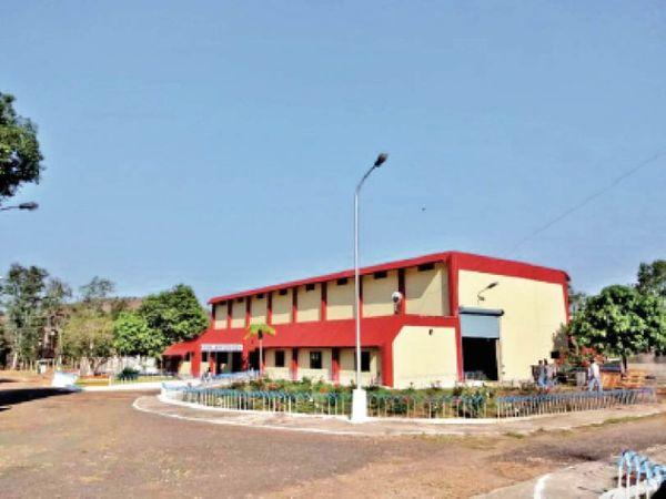 निगम से लेकर वल्लभ भवन तक हुई हलचल, 4 घंटे बाद बहाल की सप्लाई। - Dainik Bhaskar