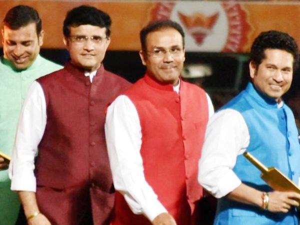 IPL मैच के बाद पोस्ट मैच प्रेजेंटेशन के दौरान लक्ष्मण, गांगुली, सहवाग और तेंदुलकर (बाएं से दाएं)। - Dainik Bhaskar