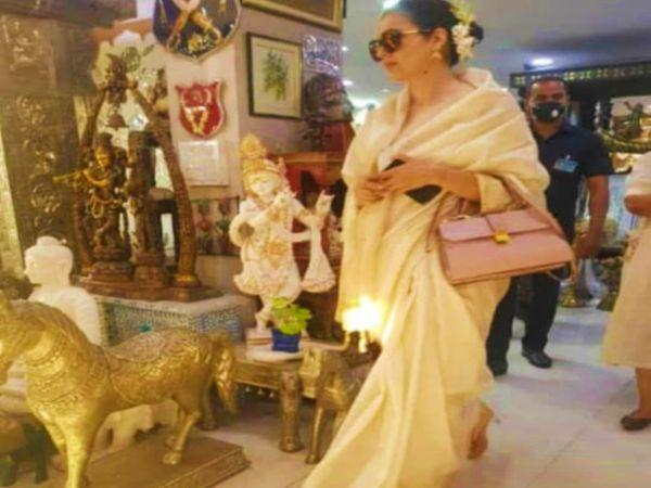 गुरुवार को उदयपुर के बाजारों में खरीदारी करतीं अभिनेत्री कंगना रनोट।