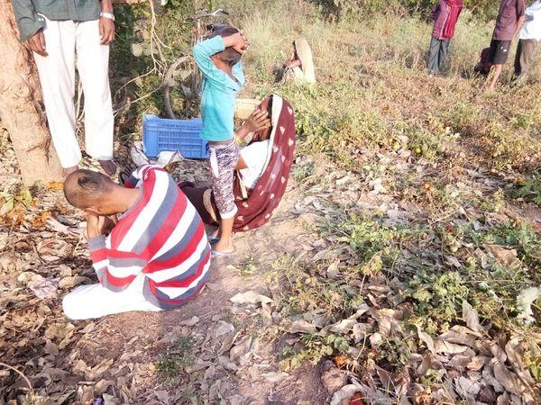 छोटू राम की पत्नी ने पुलिस को बताया कि सुबह करीब 5 बजे वह घर से निकलकर बाड़ी में गई थी।  थोड़ी देर बाद उसकी पत्नी चाय लेकर पहुंची तो छोटू का शम गमछे के सहारे पेड़ से लटक रही थी।
