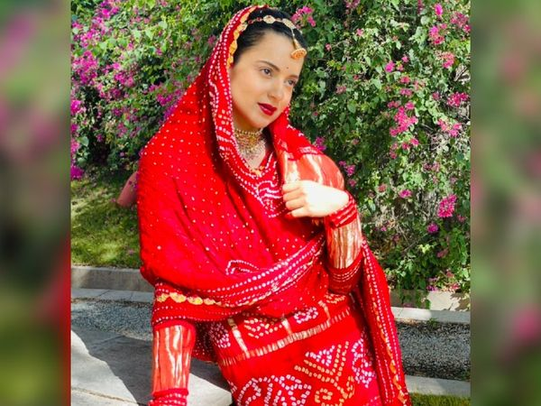 उदयपुर से खरीदा बांधनी सूट में फोटो शूट करातीं कंगना।