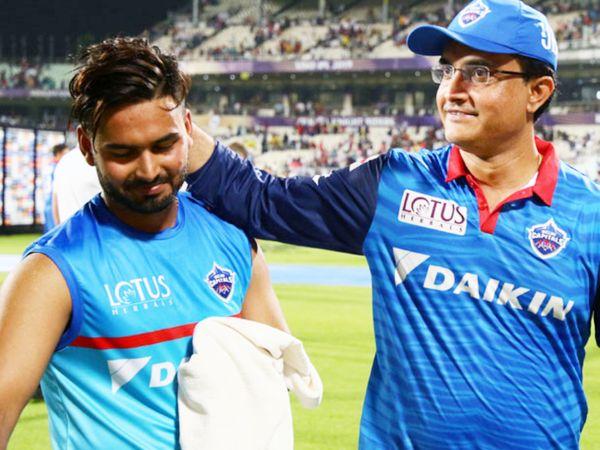 सौरव गांगुली (दाएं) दिल्ली कैपिटल्स टीम के मैनेजमेंट का हिस्सा रह चुके हैं। उन्होंने कहा कि ऋषभ पंत एक मैच विनर प्लेयर हैं। - Dainik Bhaskar