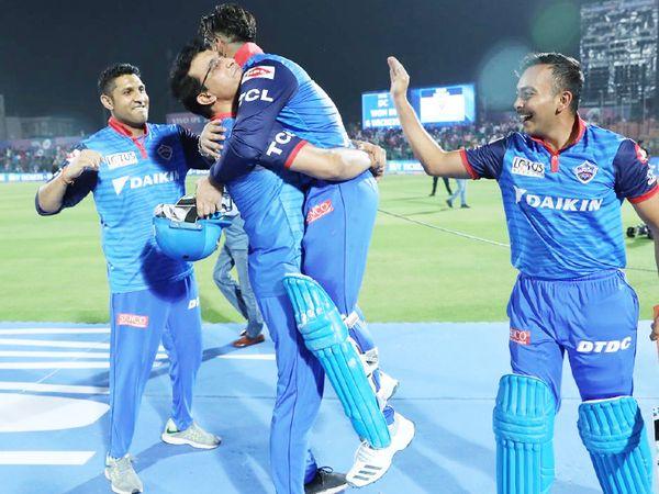 2019 IPL में गांगुली ने पंत को गोदी में उठा लिया था।
